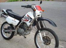 Leilão tem Honda XR200R com lance inicial de R$ 1.000