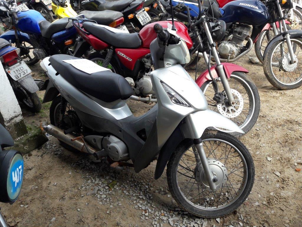 Leilão de veículos do DETRAN tem moto Honda Biz a R$ 4,7 mil