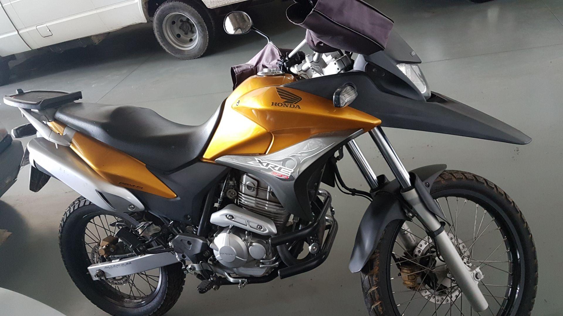 Leilão do SEAD tem Honda XRE 300cc a R$ 400 reais